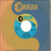 Click here for more info about 'Gloria Gaynor - Walk On By'