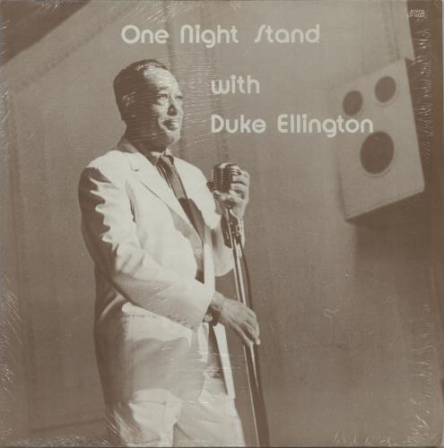 compare and contrast duke ellington Born april 29th 1899, in washington dc, duke ellington played crucial  this  comparison can be reflected in the music both of them make,.