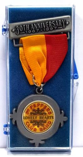 BEATLES, THE - Sgt Peppers Lonely Hearts Club Band Medal - Others